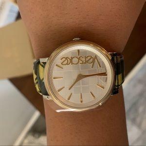 New Versace watch 🖤